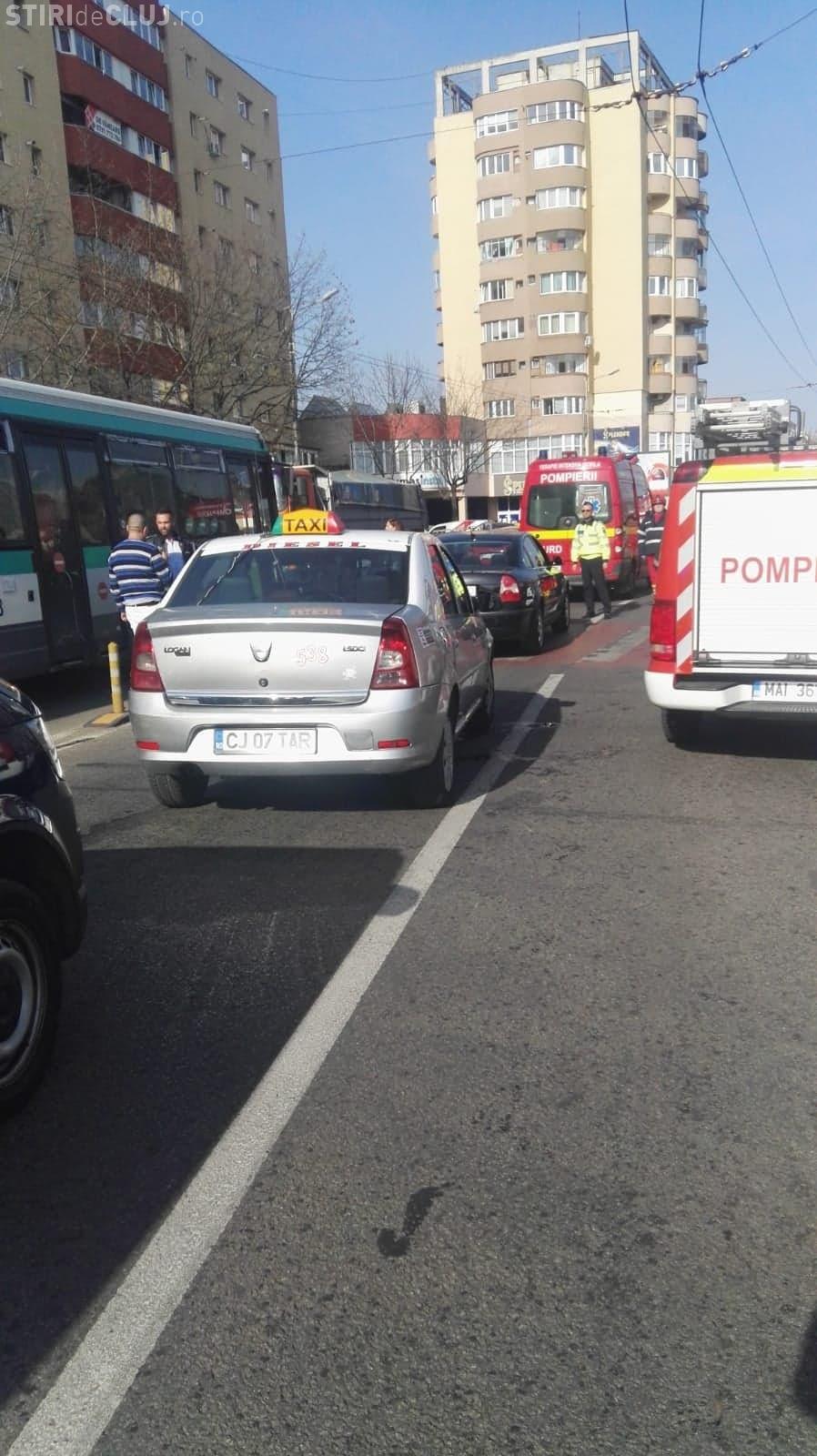 Accident cu 4 victime în Mărăști! O mamă și fiica sa au fost lovite pe trecerea de pietoni FOTO