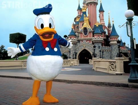Donald Duck, cercetat pentru ca a pipait o femeie la Disney Land