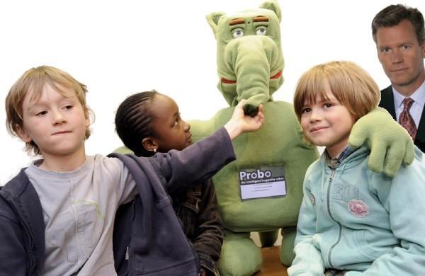 Cluj: Robotul Probo va fi folosit pentru tratarea copiilor care sufera de autism - VIDEO