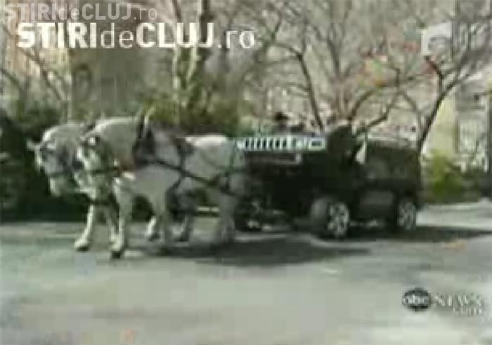 VIDEO - Un american si-a transformat Hummer -ul in caruta