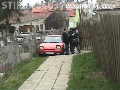 """Mascatii din Cluj """"au luat pe sus"""" doi hoti de masini care au produs o paguba de 200.000 de lei - VIDEO Descinderi"""