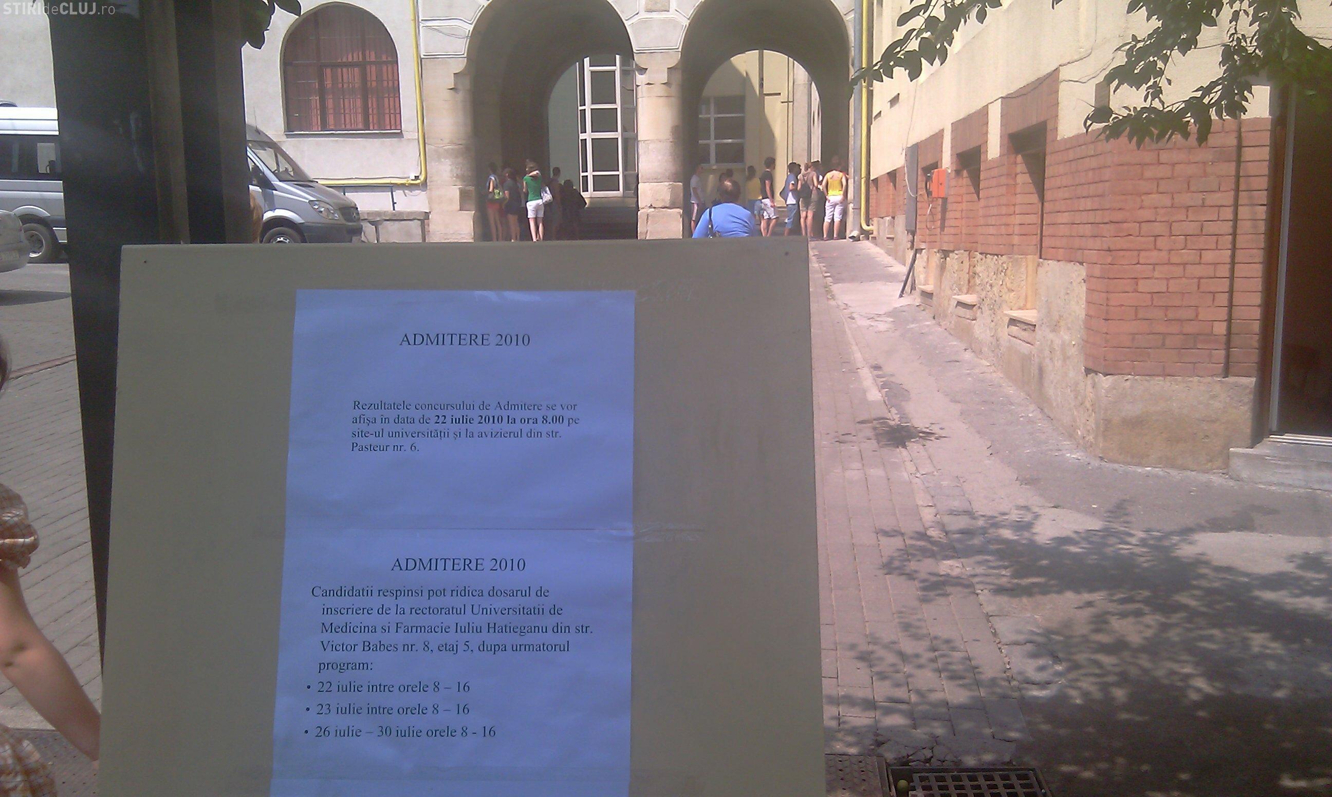 Admitere UMF Cluj 2011: S-au afisat grilele in urma examenului. VEZI daca ai intrat