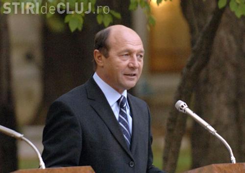 Traian Basescu: Nu ar trebui folosit cuvantul criza. Bursele isi vor reveni