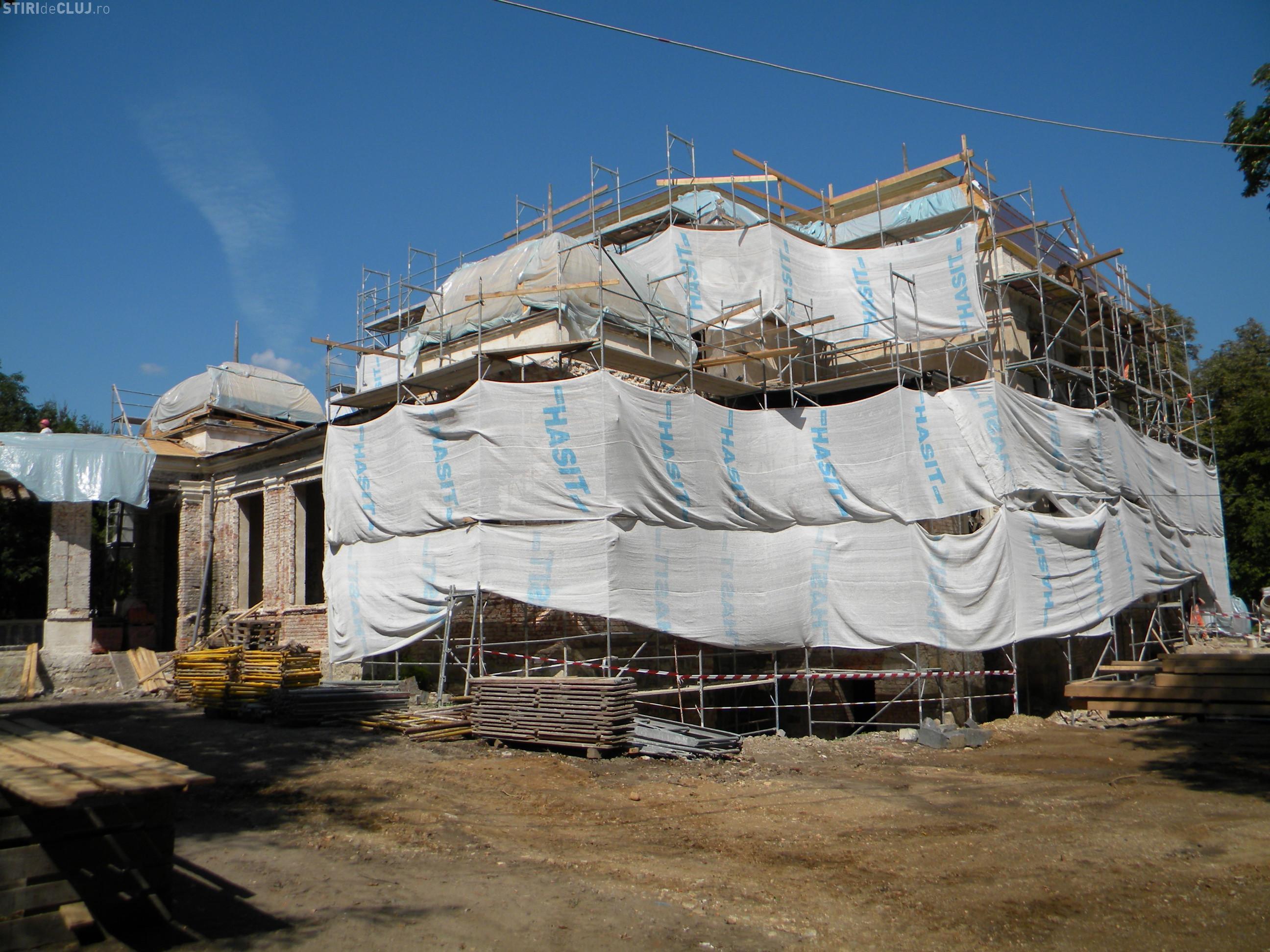 Palatul Clujului prinde contur in Parcul Central! Vezi explicatiile arhitectilor despre lucrarile de restaurare a Cazinoului VIDEO