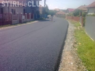 Satul Dezmir va avea drum asfaltat din fonduri europene! Lucrarea se termina in cateva zile