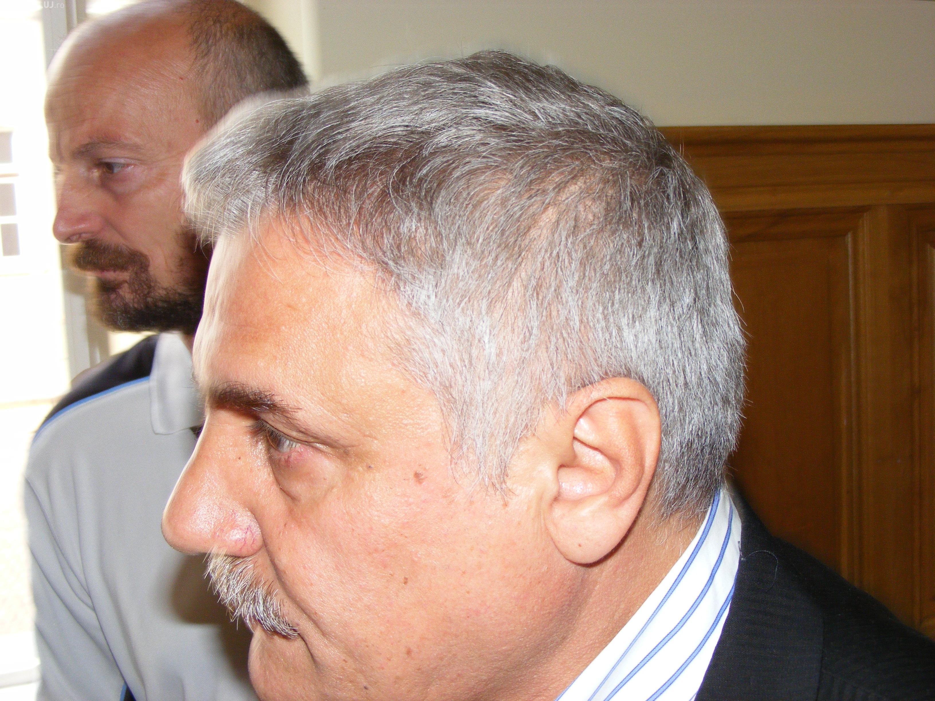 """Cum lua mita directorul Colegiului Napoca din Cluj, Niculae Nistor! O angajata: """"Nu-l satura Dumnezeu!"""" INTERCEPTARI DNA  CLUJ"""