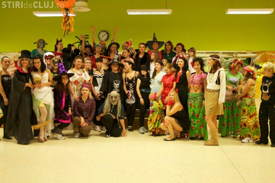 Halloween party in sala de sport la Cluj FOTO