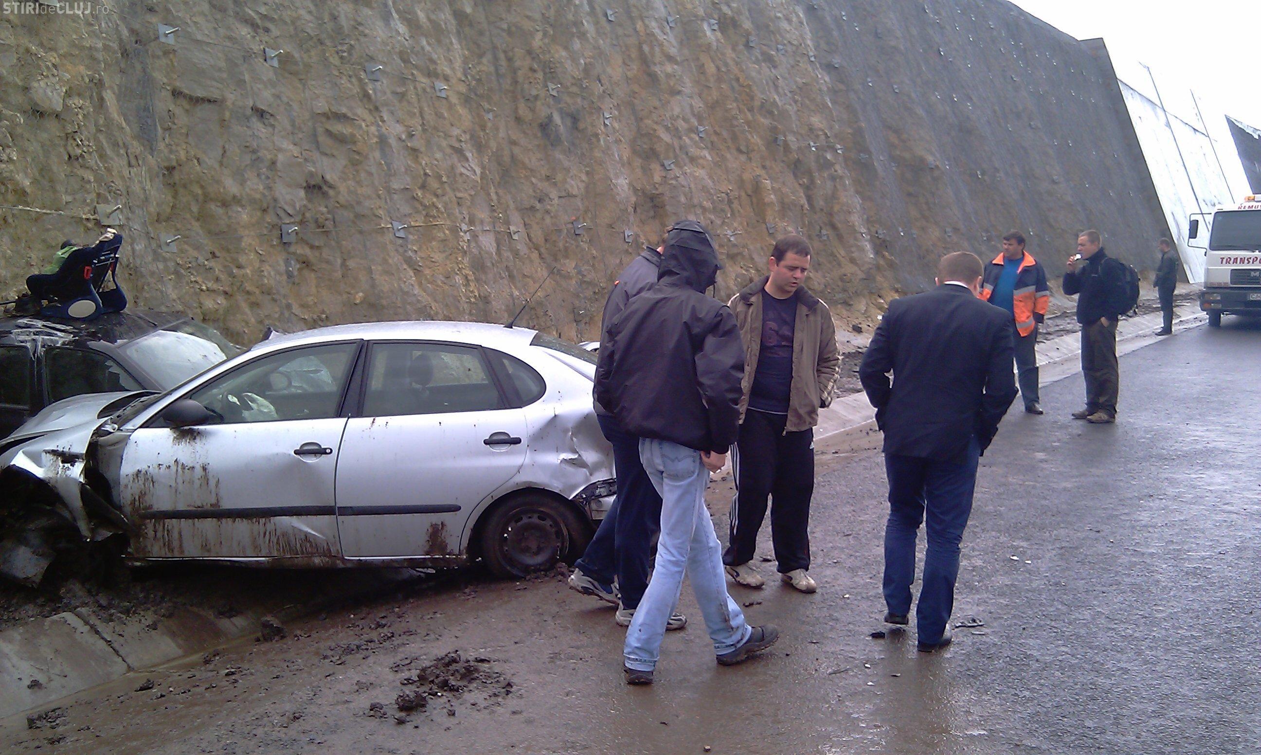 Traficul pe Autostrada Transilvania s-a reluat. 8 masini au fost avariate din cauza poleiului