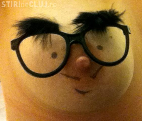 "O femeie isi transforma sanii in papusi ""Buppets"" FOTO"