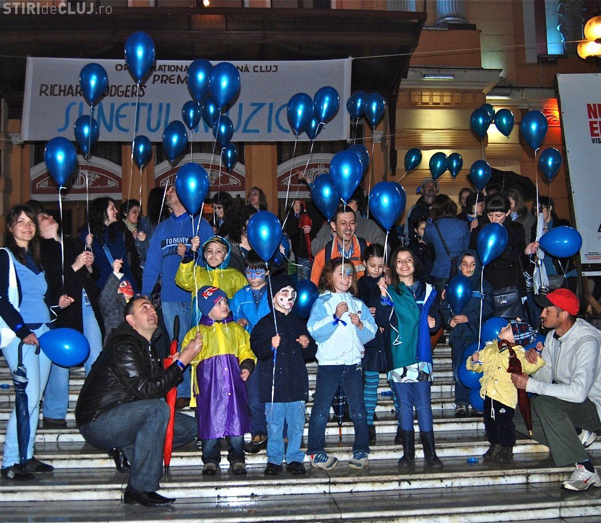 Teatrul National din Cluj, iluminat in albastru in 1 aprilie de Ziua internationala de constientizare a autismului