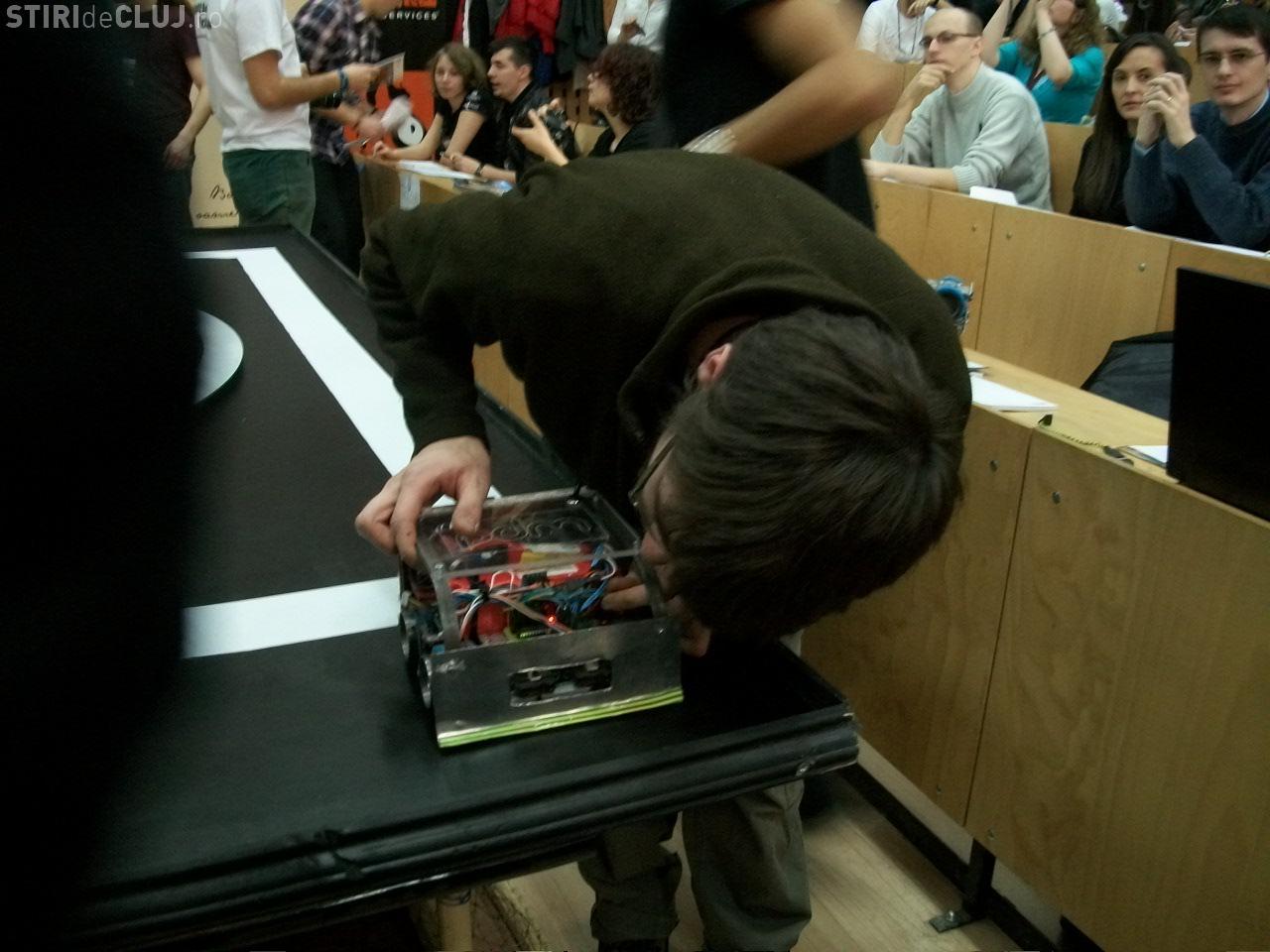 21 de roboti s-au infruntat la UTCN Cluj FOTO si VIDEO