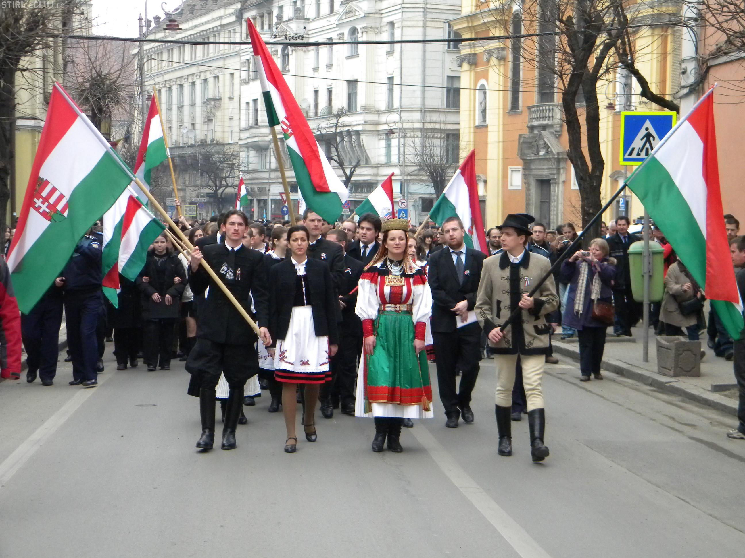 Pot ungurii sa decida primarul Clujului? Cum se impart voturile maghiarilor intre Boc, Nicoara si Eckstein Kovacs