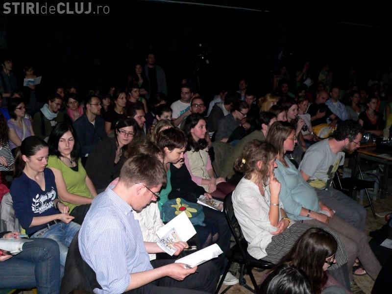 Festivalul de foarte scurt metraj Tres Courts 2012 incepe la Cluj-Napoca in 3 mai! Vezi detalii si program