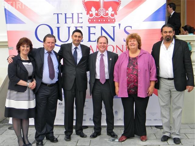 300 de invitati la Cazino la Jubileul de Diamant al Reginei Marii Britanii! Chelsea a trimis o minge semnata de toti jucatorii FOTO