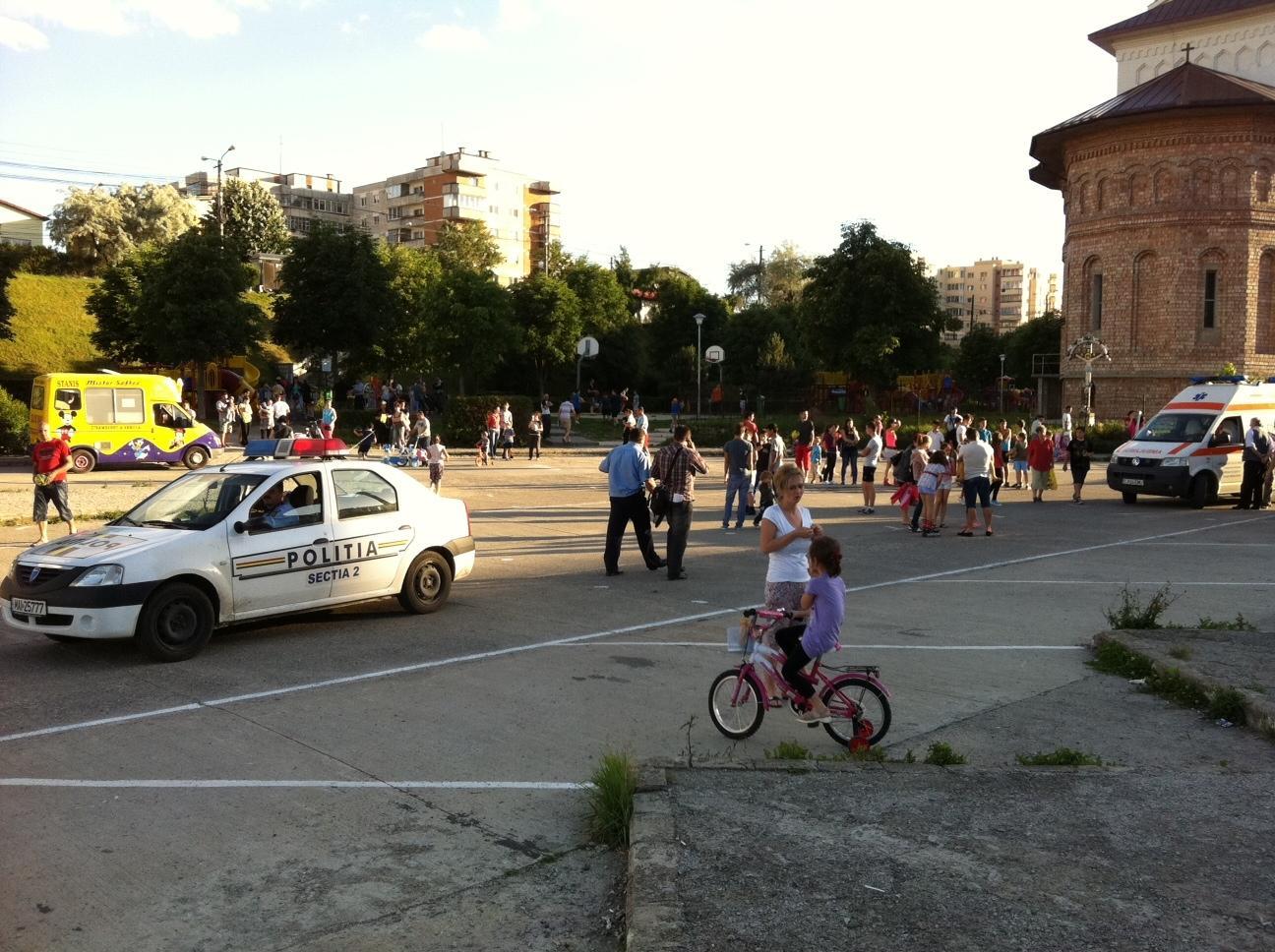 Bataie zdravana intre 6 persoane sub ochii a 50 de copii FOTO VIDEO