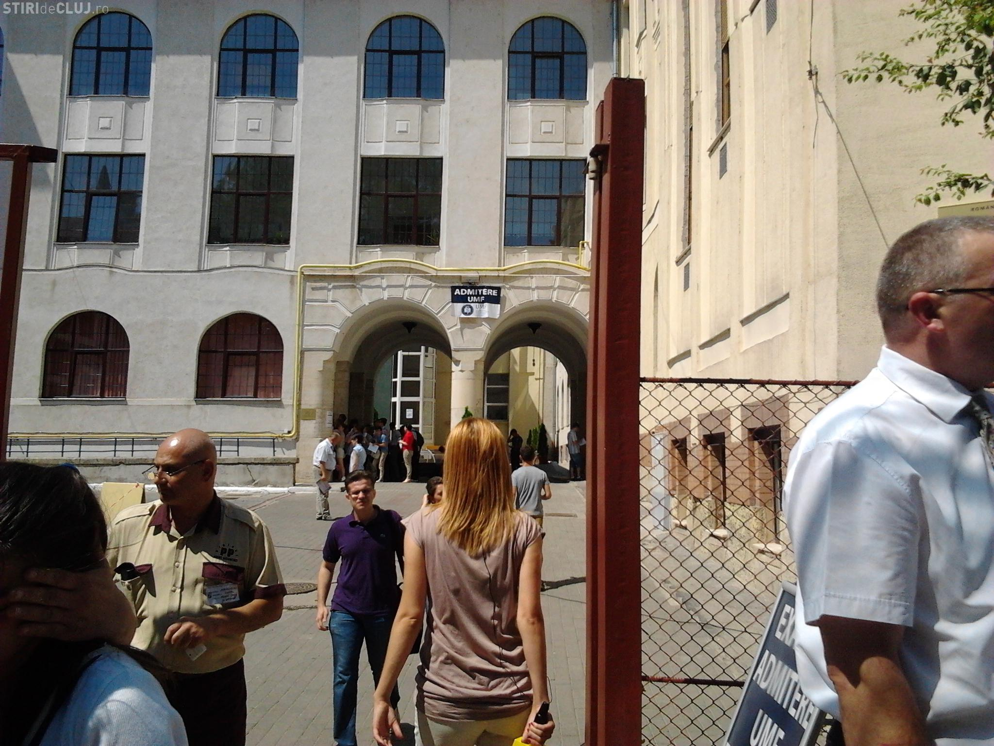 ADMITERE UMF Cluj: Ce cred candidații despre testul grilă și cât de greu li s-a părut