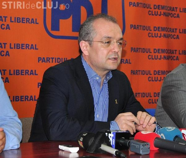 Boc îi dă peste nas lui Ponta: Viața bate blogul. Să se uite Ponta cât costă EURO