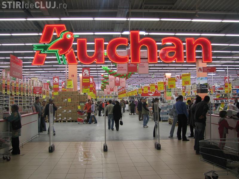 Auchan și Real, amenzi dure pentru că țineau apa minerală la 35 de grade Celsius