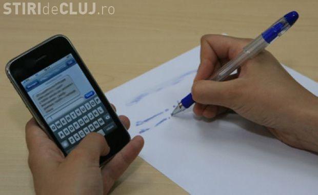 S-a copiat la BAC la Cluj! Se inspirau de pe telefon și ceasul cu transmisii de date