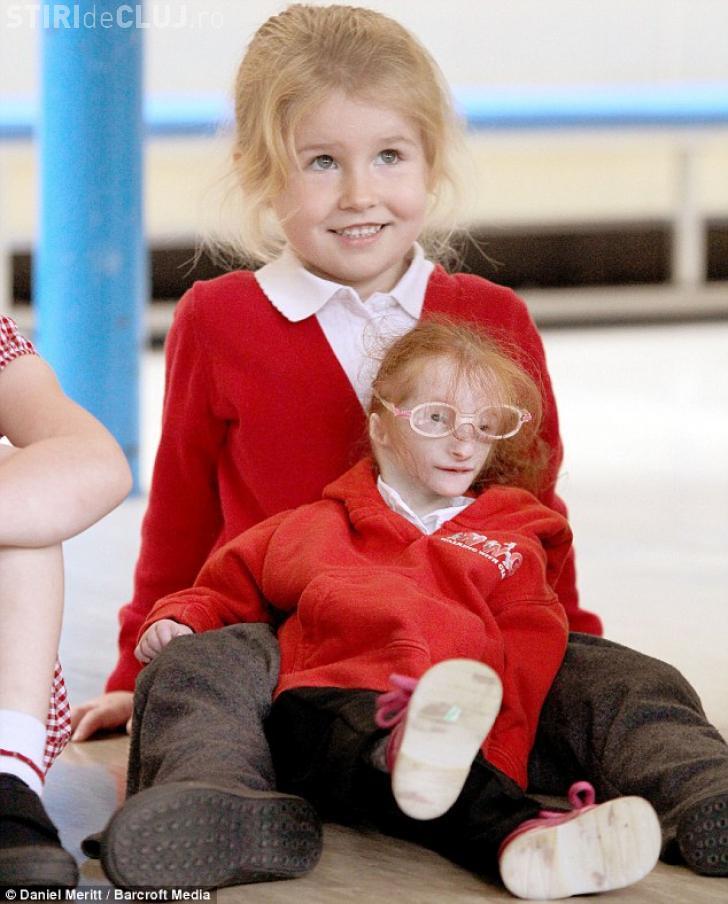 Самая маленькая девочка в мире Шарлотта Гарсайд сделала огромный шаг