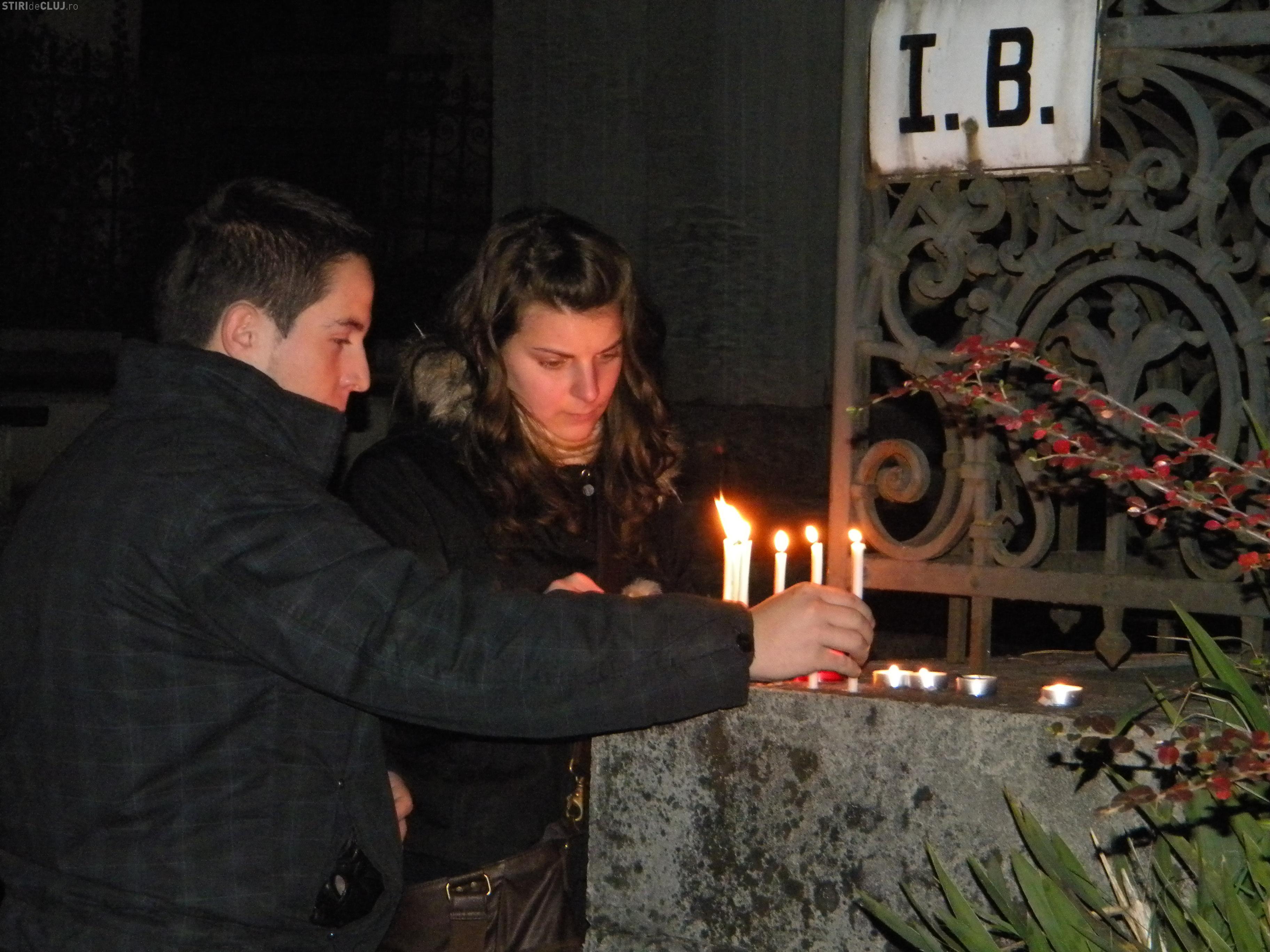 De unde pot fi cumpărate flori şi lumânări cu ocazia zilei de 1 noiembrie
