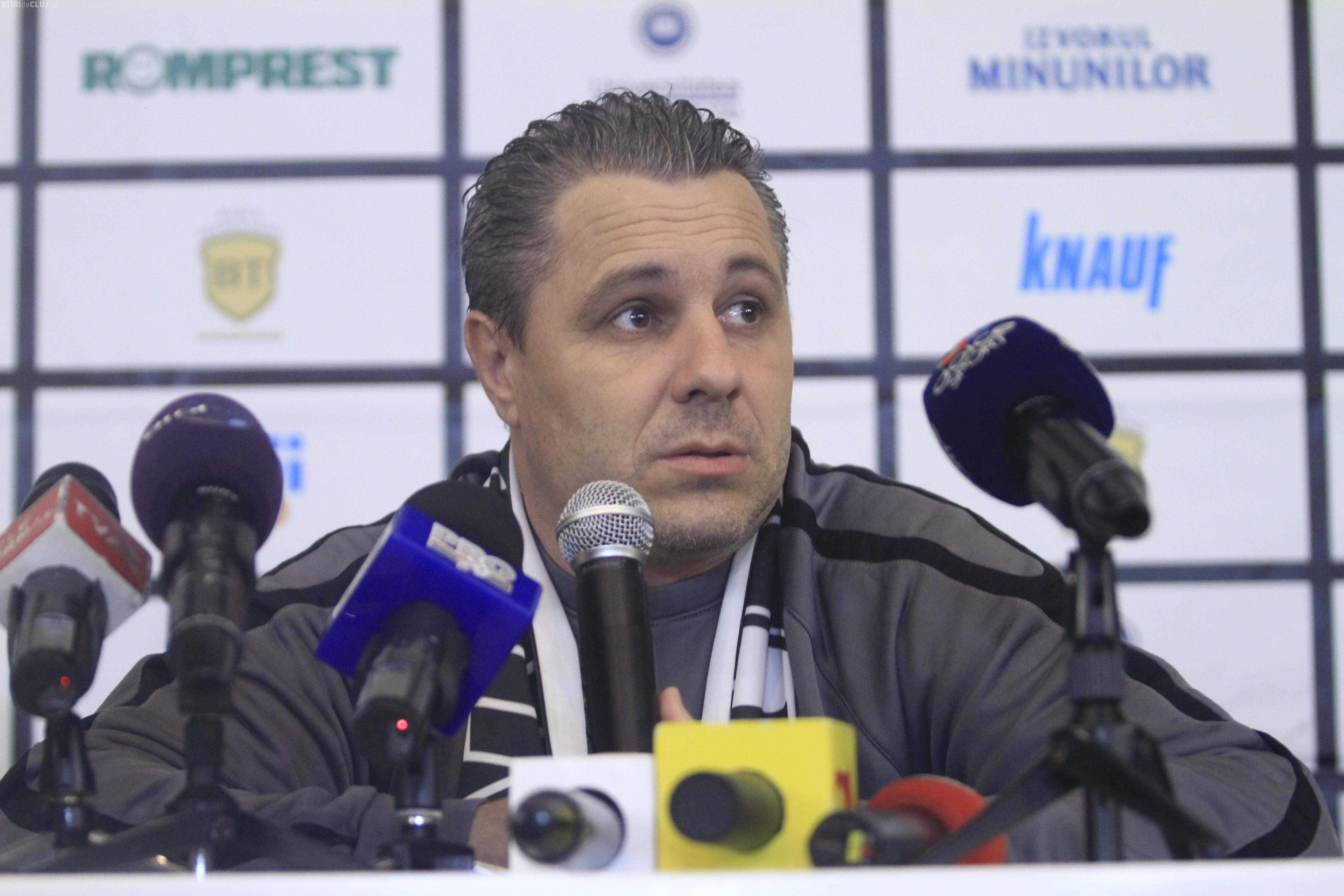Șumudică: Am semnat contractul cu U Cluj în biroul lui Walter. Din partea clubului a semnat Măginean - AUDIO cu întreaga conferință