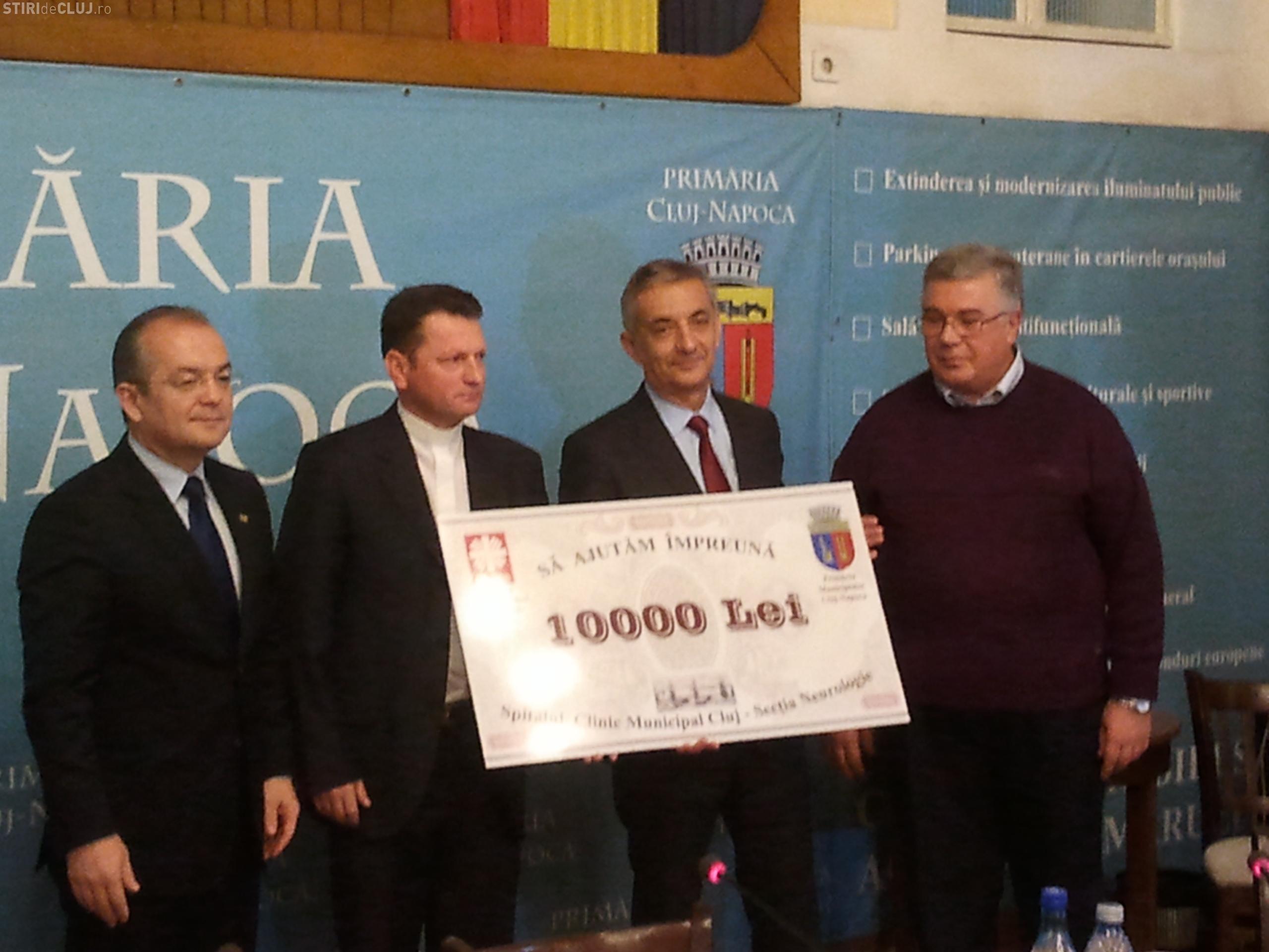 Asociația Caritas donează 10.000 de lei Spitalului Clinic Municipal. Banii provin din hainele vechi donate de clujeni - FOTO