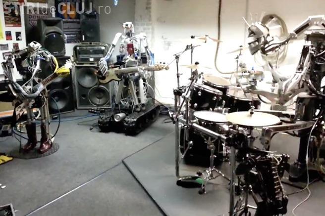 CLIPUL ZILEI: Roboții care cântă rock VIDEO