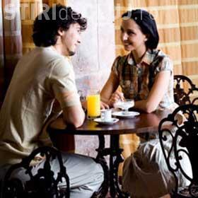 6 lucruri la care se gândesc bărbații la prima întâlnire