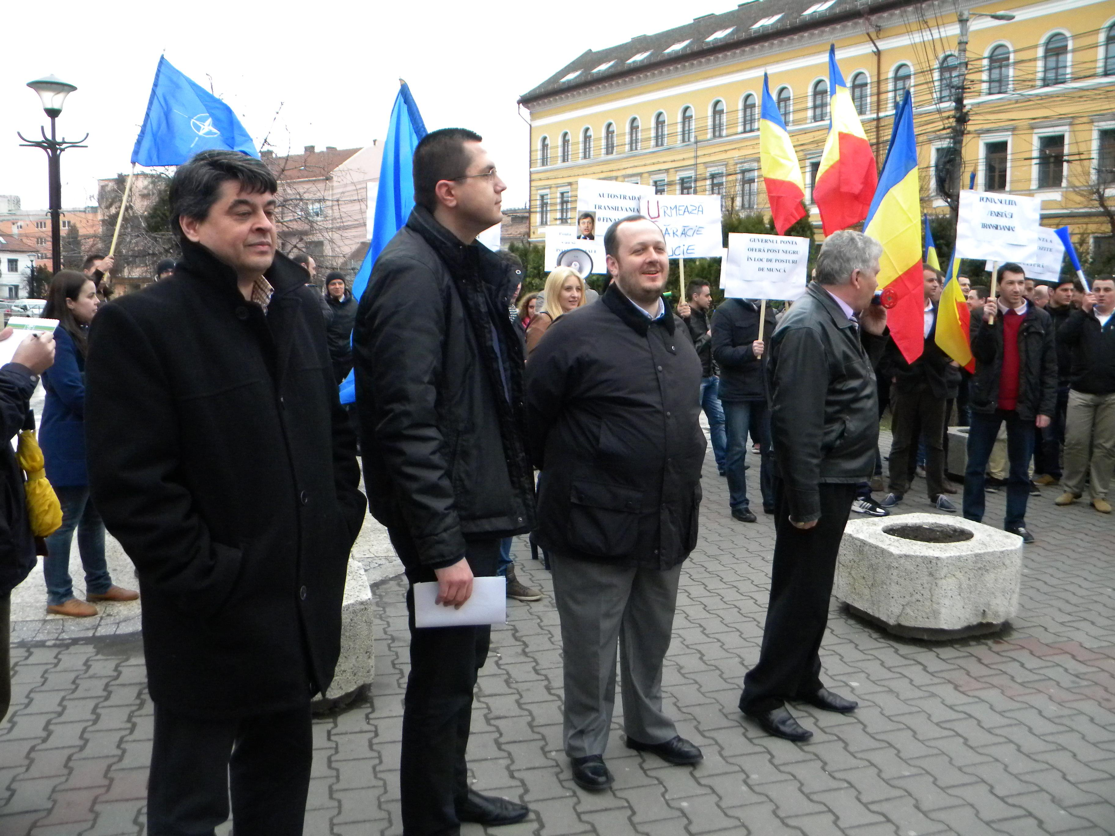Protest ANTI Ponta organizat la Cluj-Napoca de PDL: Victor Ponta PĂCĂLICI - VIDEO