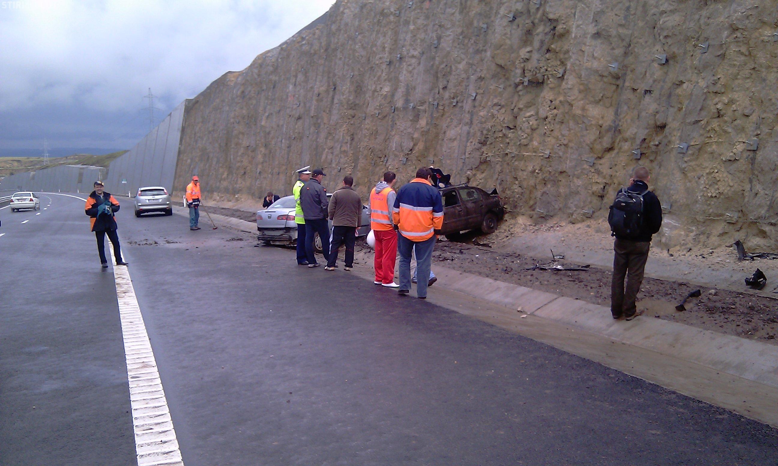 O dubă cu roșii din Ungaria s-a răsturnat pe Autostrada Transilvania (A3). Șoferul a adormit la volan