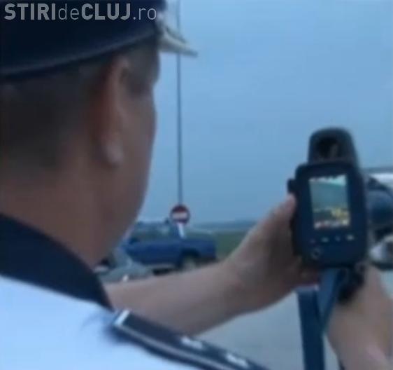 Un radar cu laser este folosit de polițistii din Cluj! Prinde vitezomanii de la 1.200 de metri distanță