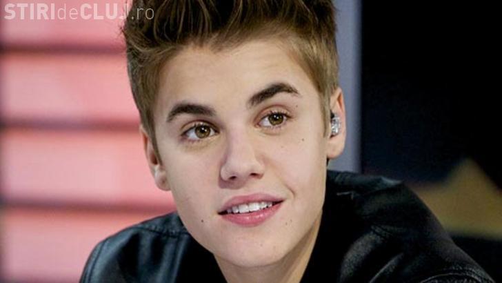 Justin Bieber a fost bătut pe scenă la un concert - VIDEO