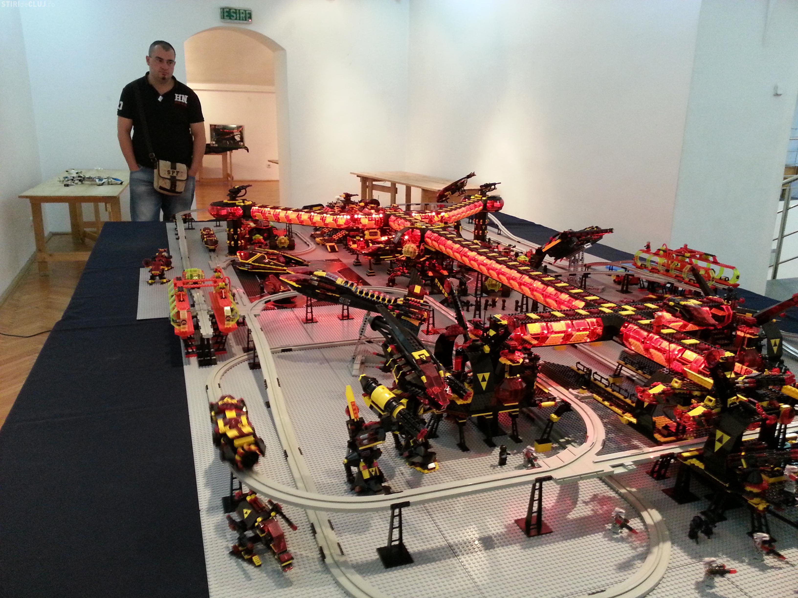 """Expoziția de Lego la Cluj. Pot fi văzute construcții din """"Stăpânul inelelor"""", """"Star Wars"""" şi o staţie spaţială - FOTO"""