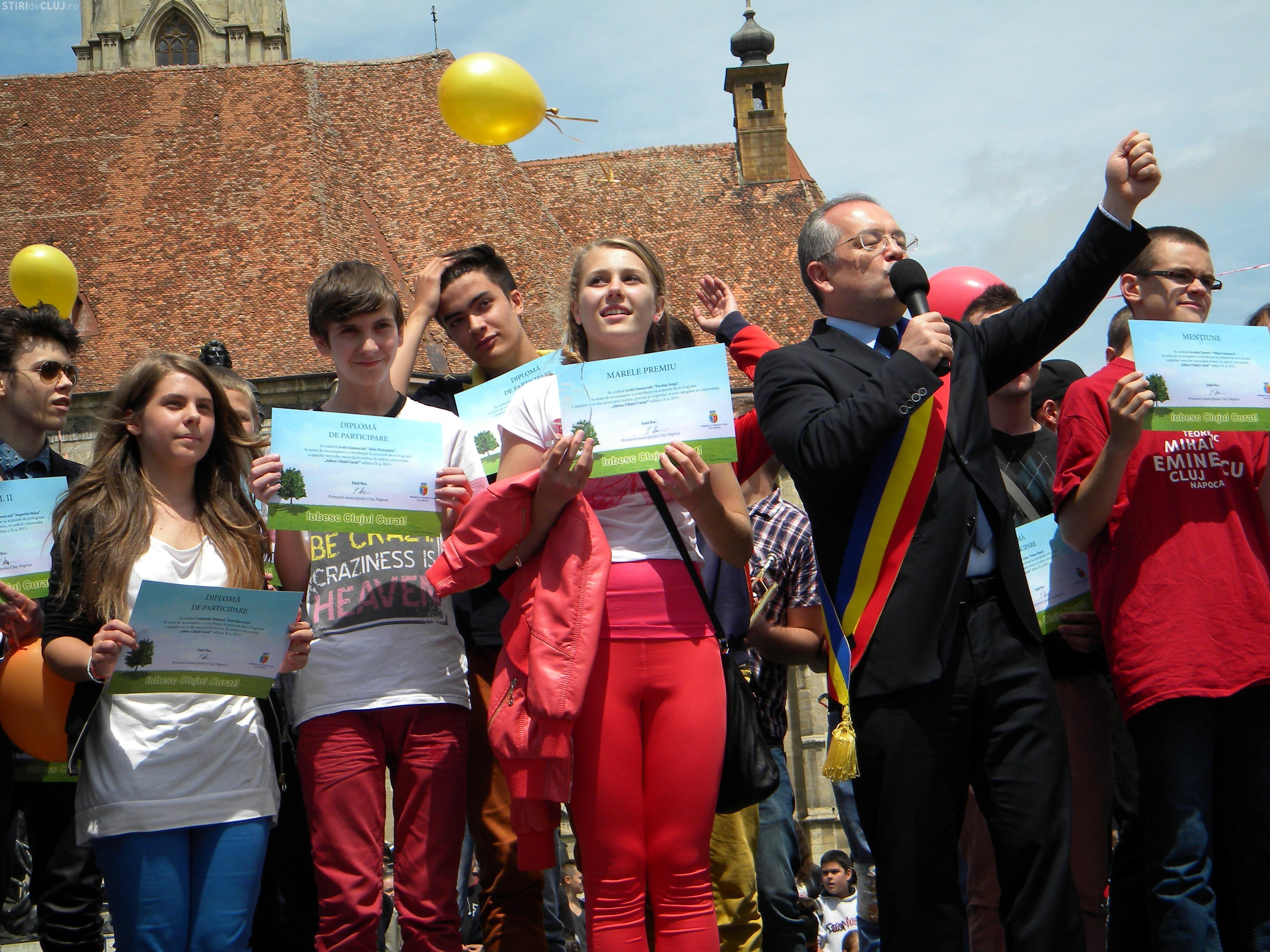 Premiile Iubesc Clujul Curat 2013. Emil Boc i-a premiat pe cei mai ecologiști elevi - FOTO și VIDEO