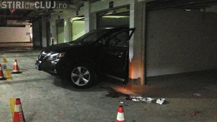 O șoferiță a murit și și-a ucis și soțul, când încerca să parcheze o mașină cu spatele