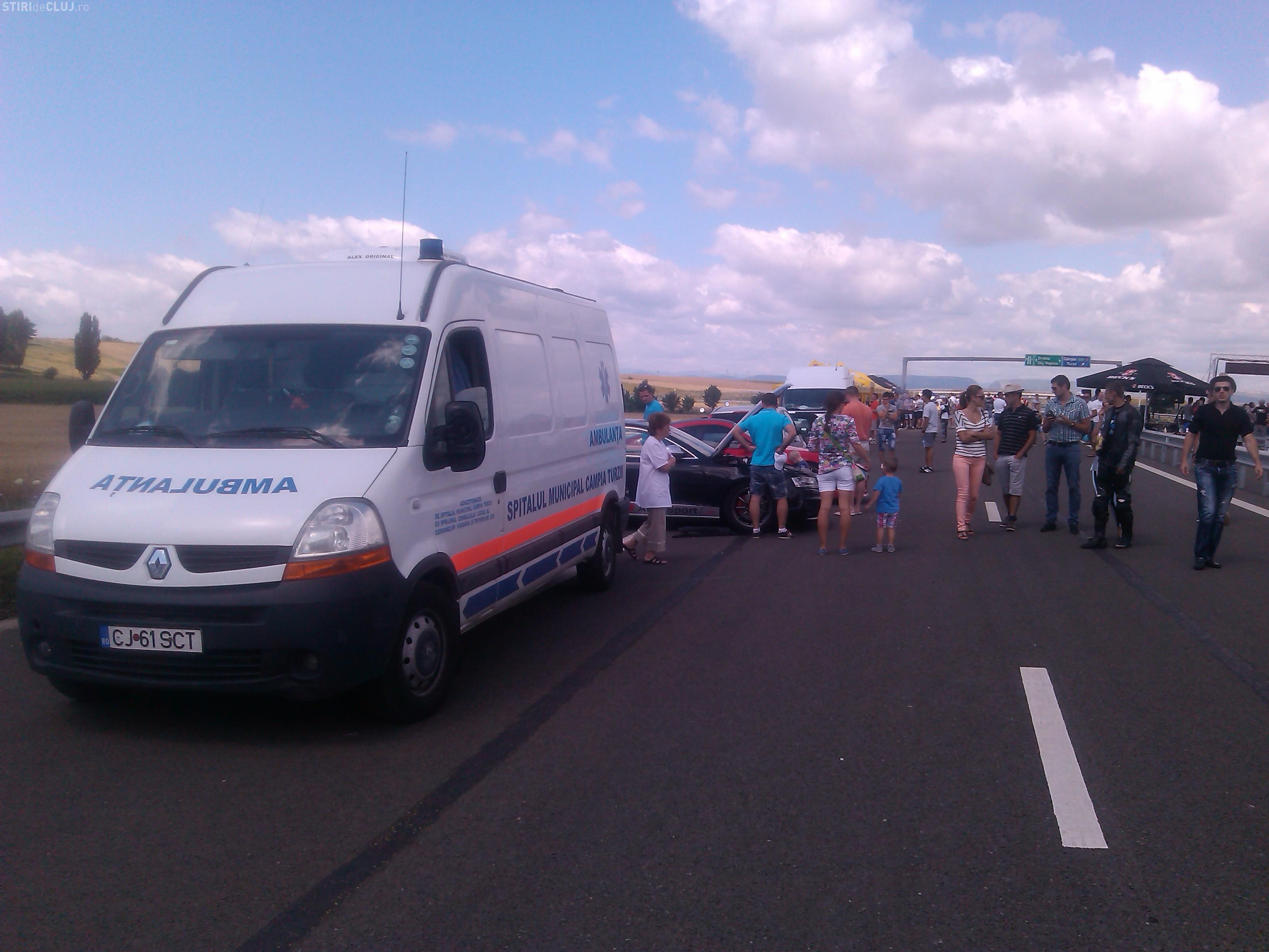 Motociclist rănit la cursele de mașini de pe Autostrada Transilvania - FOTO