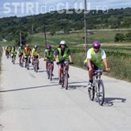 """Expediţie de ciclism """"Pe urmele trecutului"""" organizată de un liceu clujean pe Transfăgărăşan"""