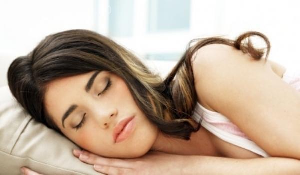 Trei substanțe care te ajută să adormi mai bine