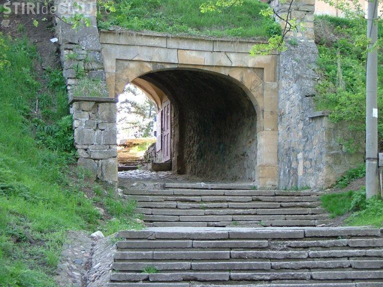 Se modernizează aleile de pe Dealul Cetățuie, unul dintre simbolurile Clujului