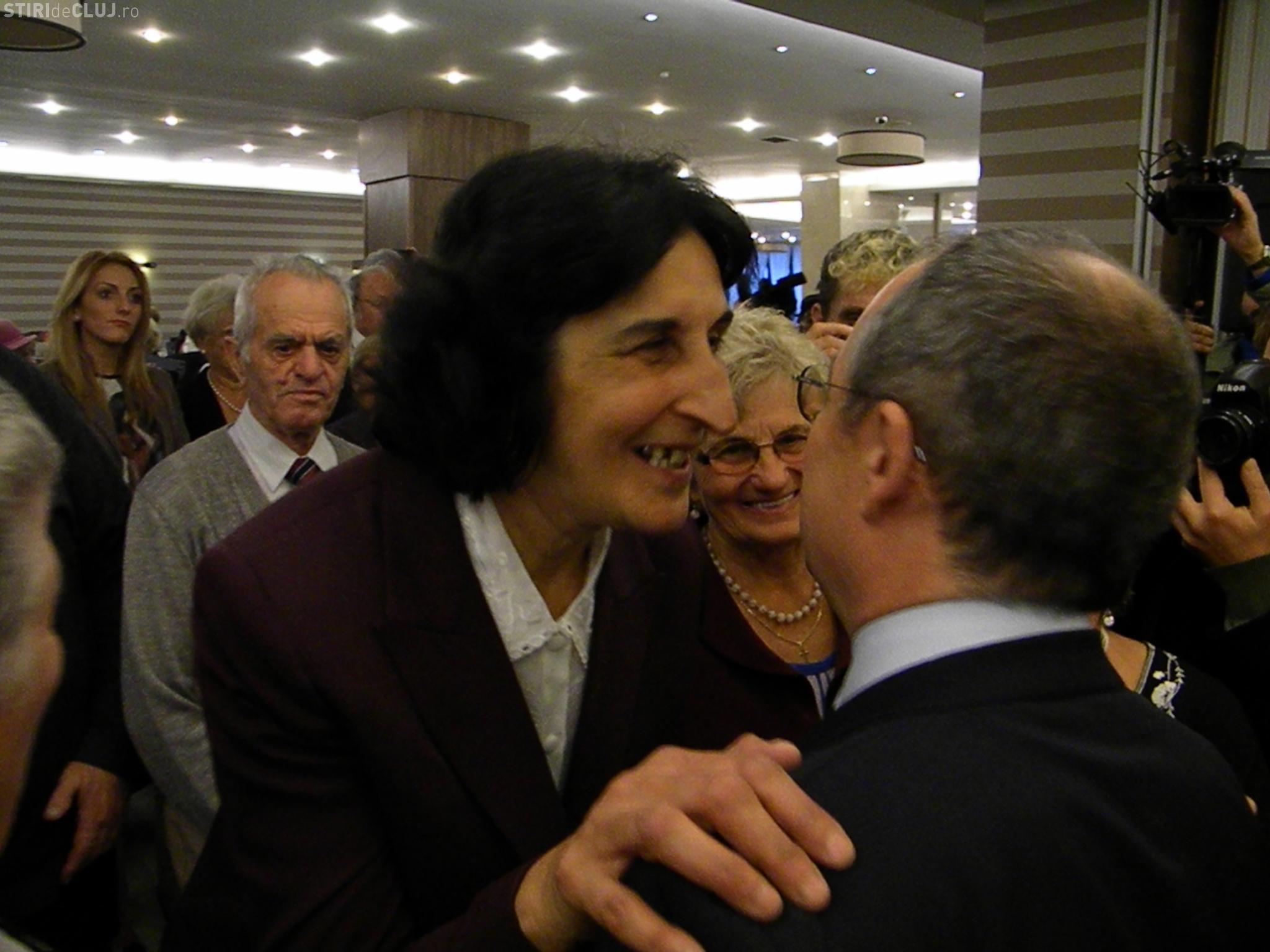 Boc, ADULAT de femei la petrecerea pensionarilor clujeni: V-ați mai întinerit - Galerie FOTO