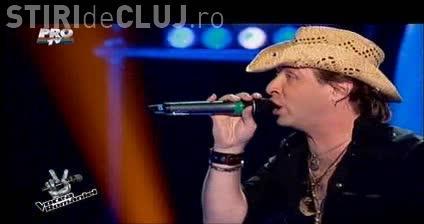 VOCEA ROMÂNIEI. Dudu Isabel - VIDEO - Clujeanul care a RUPT pe rock. Brenciu și-a distrus scaunul