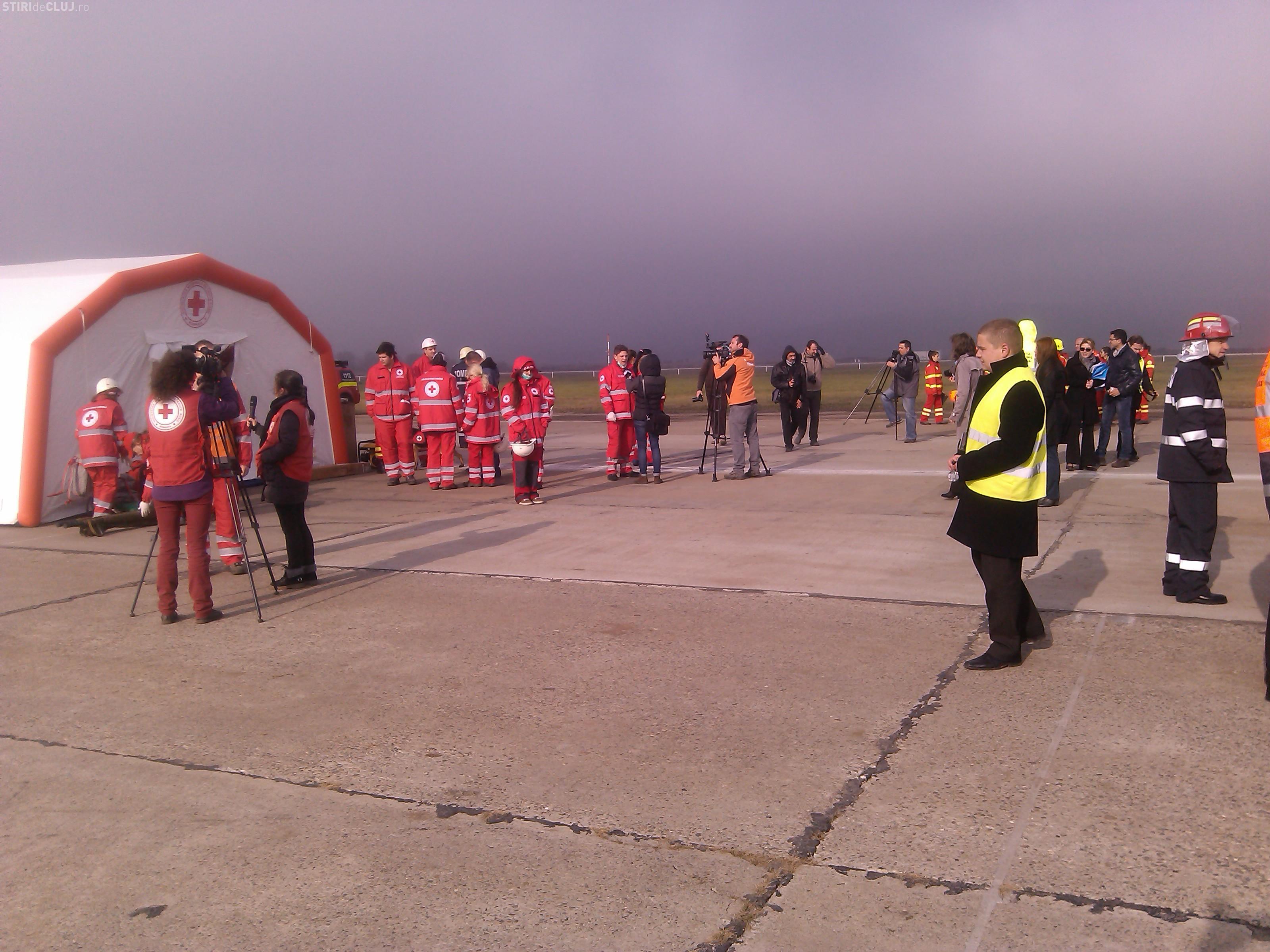 Exercițiu SPECTACULOS la Aeroportul Cluj! S-a simulat un accident aviatic - FOTO
