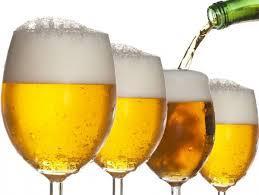 Studenții de la UMF Cluj primesc burse ca să bea bere
