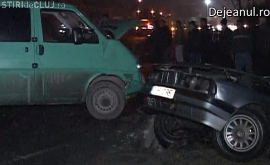 """Accident lângă Gherla! Șoferul unui BMW a """"uitat"""" să se asigure. Tot rudele lui au făcut scandal - VIDEO"""