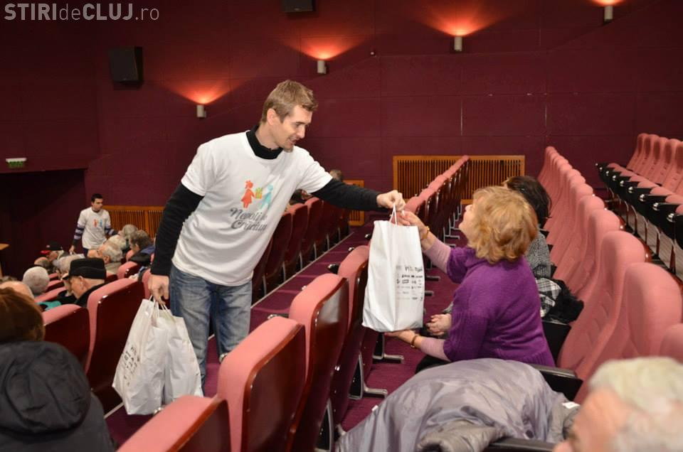 Proiectul Nepoți de Crăciun, organizat de Cristian Gog, a adunat daruri pentru 1053 bunici