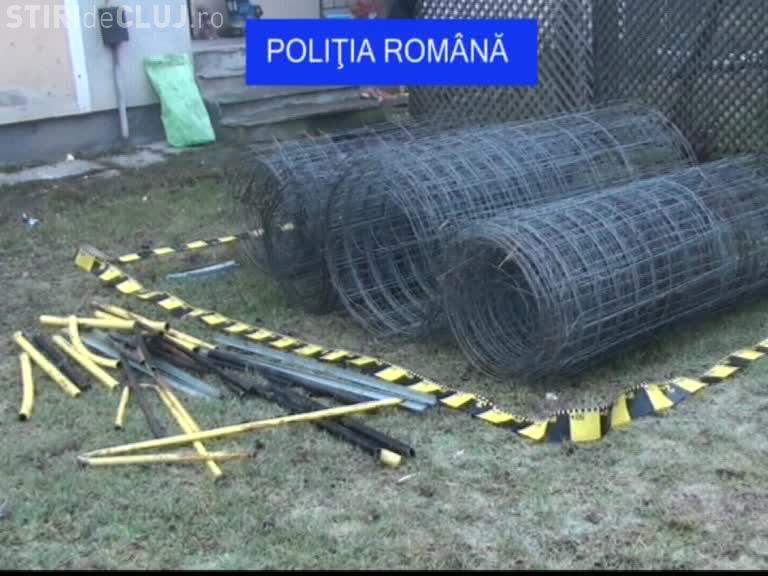 Au furat balustrada și plasa de protecție de pe Autostrada Transilvania. Cum au fost prinși? - VIDEO