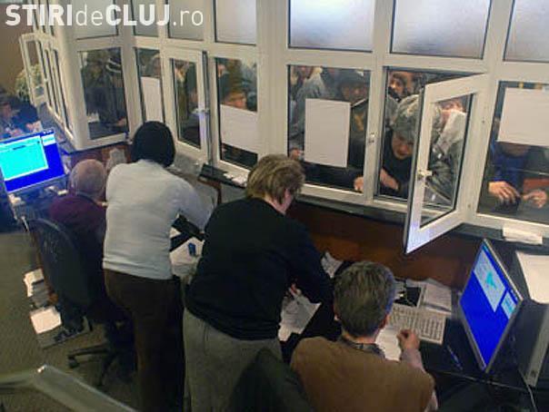 1.500 de clujeni s-au imbulzit miercuri la Casa de Pensii pentru a-si plati drepturile de autor sau PFA -urile