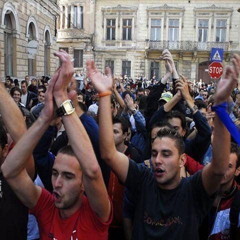 Mii de studenti straini care invata la Cluj, fara asistenta medicala din cauza unei incurcaturi in acte - EXCLUSIV