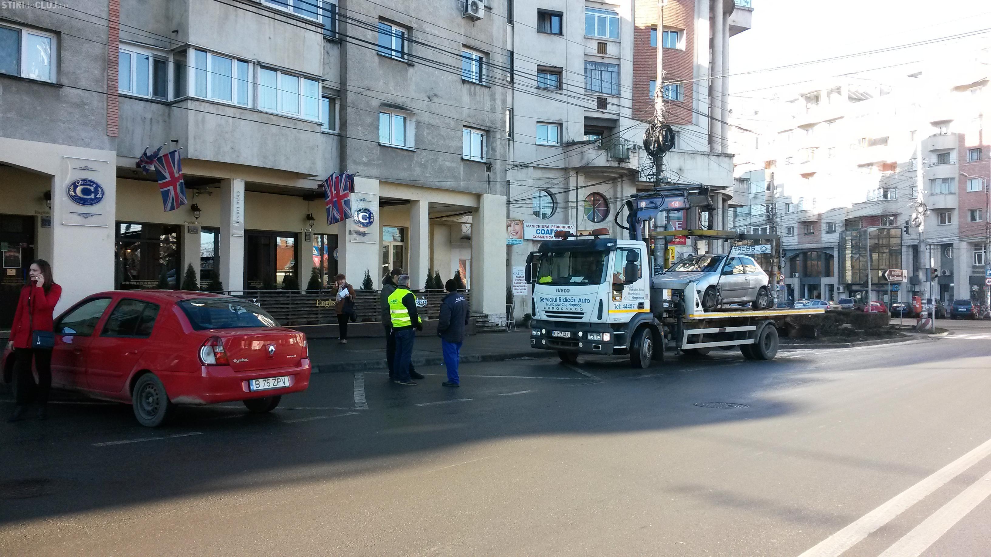 """Se face """"curat"""" și în stația de autobuz din Cipariu! Șoferii care se cred mai șmecheri, PENALIZAȚI - FOTO"""